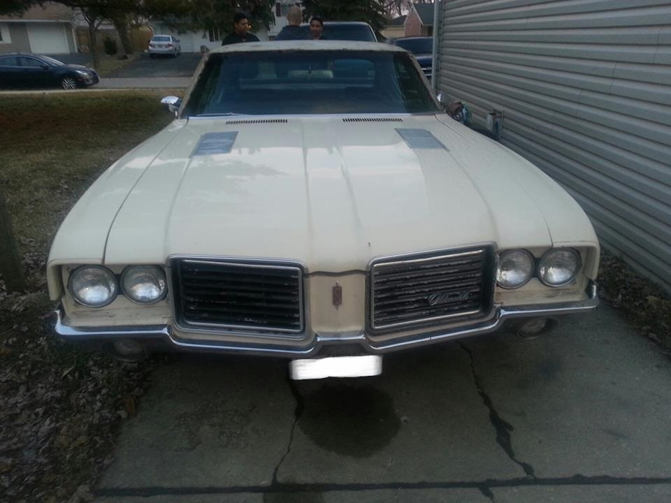 Johnny-1971 Cutlass S