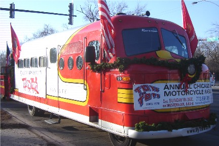 Toys for Tots parade in Chicago 2015