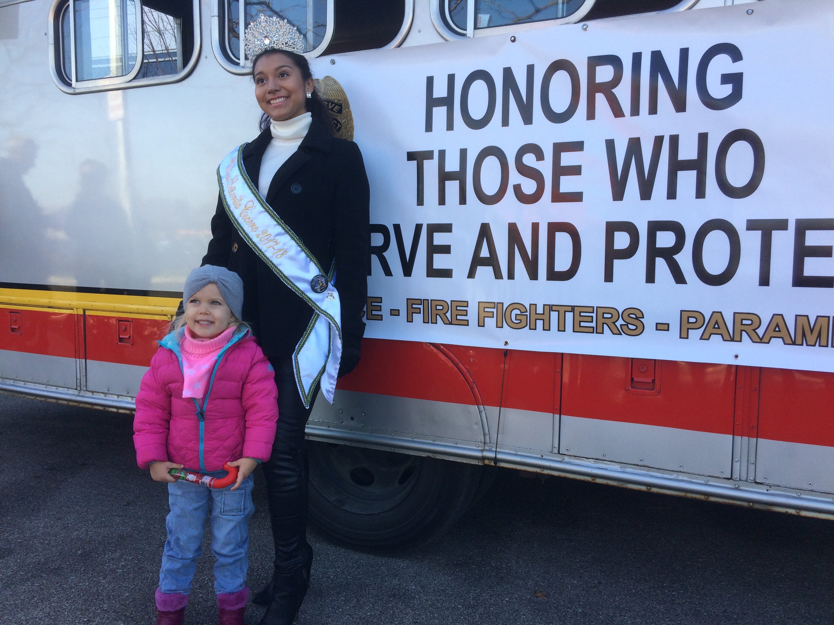 2017 Chicago Toys For Tots : Toys for tots motorcycle parade in chicago pictures