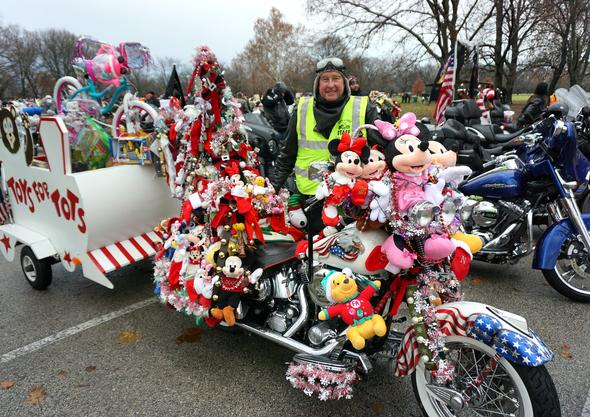 Chicagoland Toys for Tots Parade 2018